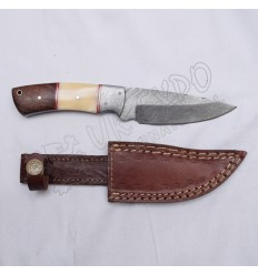 Damascus blade knife for kilt lover beautiful wooden and bone handle style